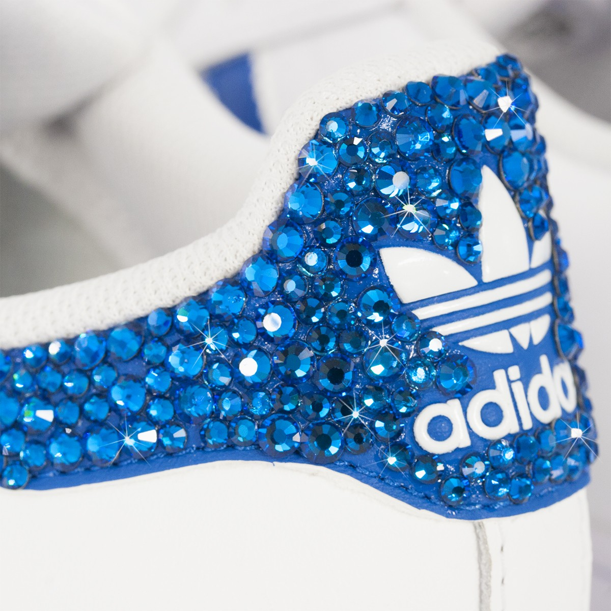 160be427be3a6 ... Scarpe Adidas Super Star 3 Stripes Ray Blue con Strass ...